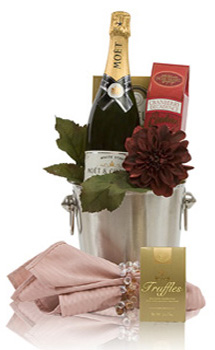 A WALK DOWN THE AISLE CHAMPAGNE GIFT BASKET