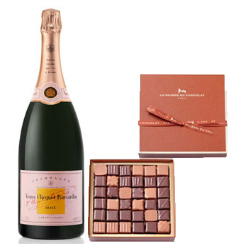 LA MAISON DU CHOCOLAT PRALINE GIFT BOX WITH VEUVE CLICQUOT ROSE CHAMPAGNE