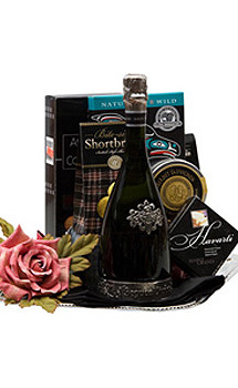 SPARKLING GREETINGS SPARKLING WINE GIFT BASKET