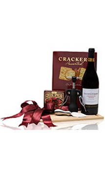 THE CUTTING EDGE WINE GIFT BASKET