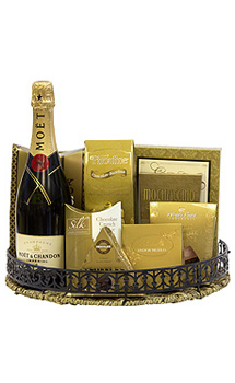 WINNER'S CIRCLE CHAMPAGNE GIFT BASKET