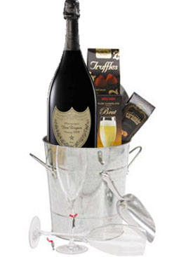 DOM PERIGNON ICY GIFT BASKET