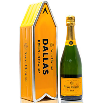 VEUVE CLICQUOT ARROW TIN DALLAS REIMS CHAMPAGNE JOURNEY STREET SIGN - LIMITED EDITION