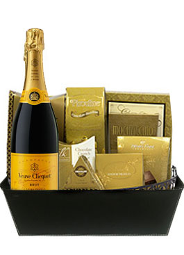 YELLOW LABEL VEUVE GIFT BASKET